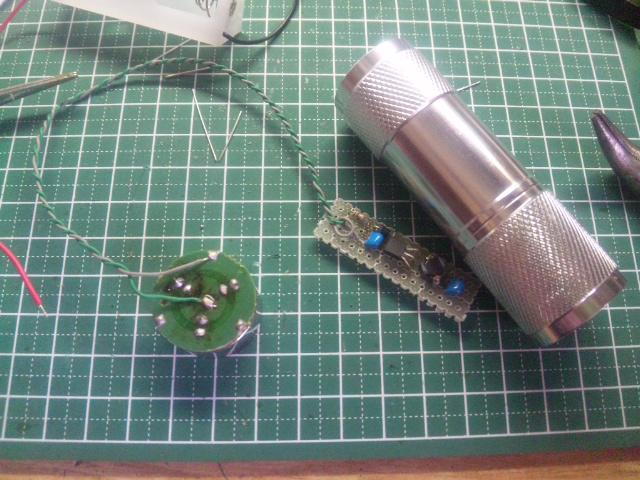 LED基板と昇圧回路の配線